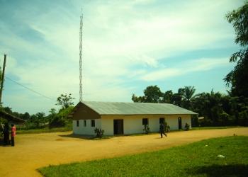 batiment-de-la-radio-mabele-et-antenne_72.jpg