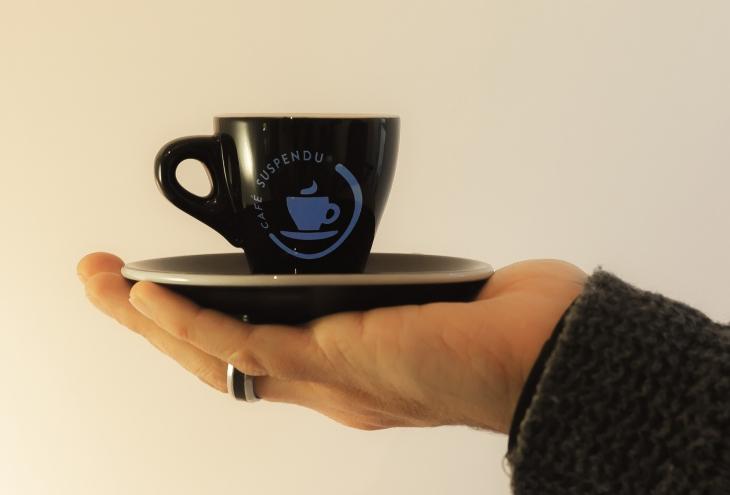cafe-suspendu_72.jpg